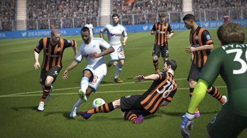 FIFA14_Xbox360_Shaktar_BlockedShot