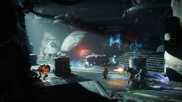 Activision: CoD Black Ops 4 Top, Destiny 2: Forsaken Flop