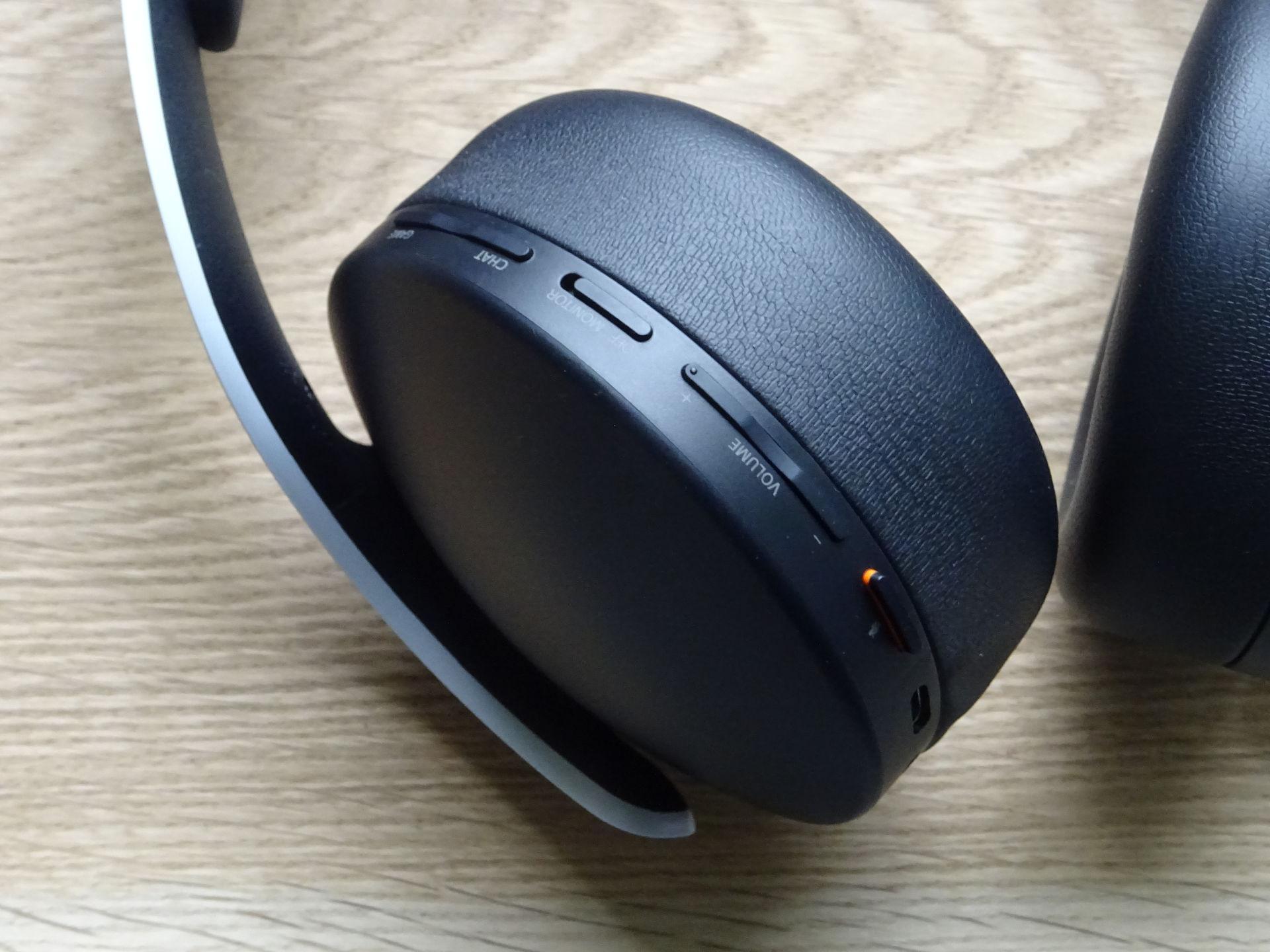 sony-pulse-3d-wireless-headset-05