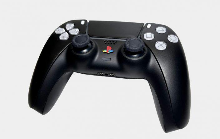 PS5: Custom-DualSense in der Black Edition und mit klassischen Buttons erhältlich